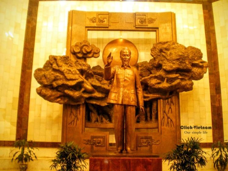 胡伯伯銅像