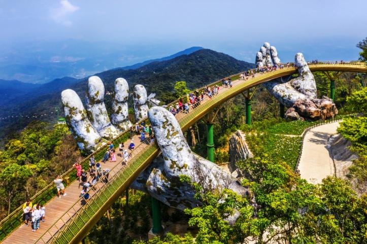 巴拿山巨手金橋