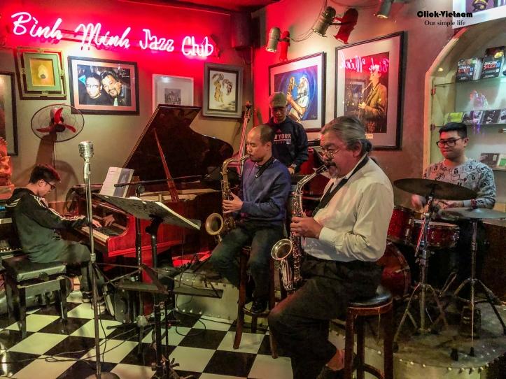河內搖擺-週五夜晚你在爵士俱樂部現場嗎?